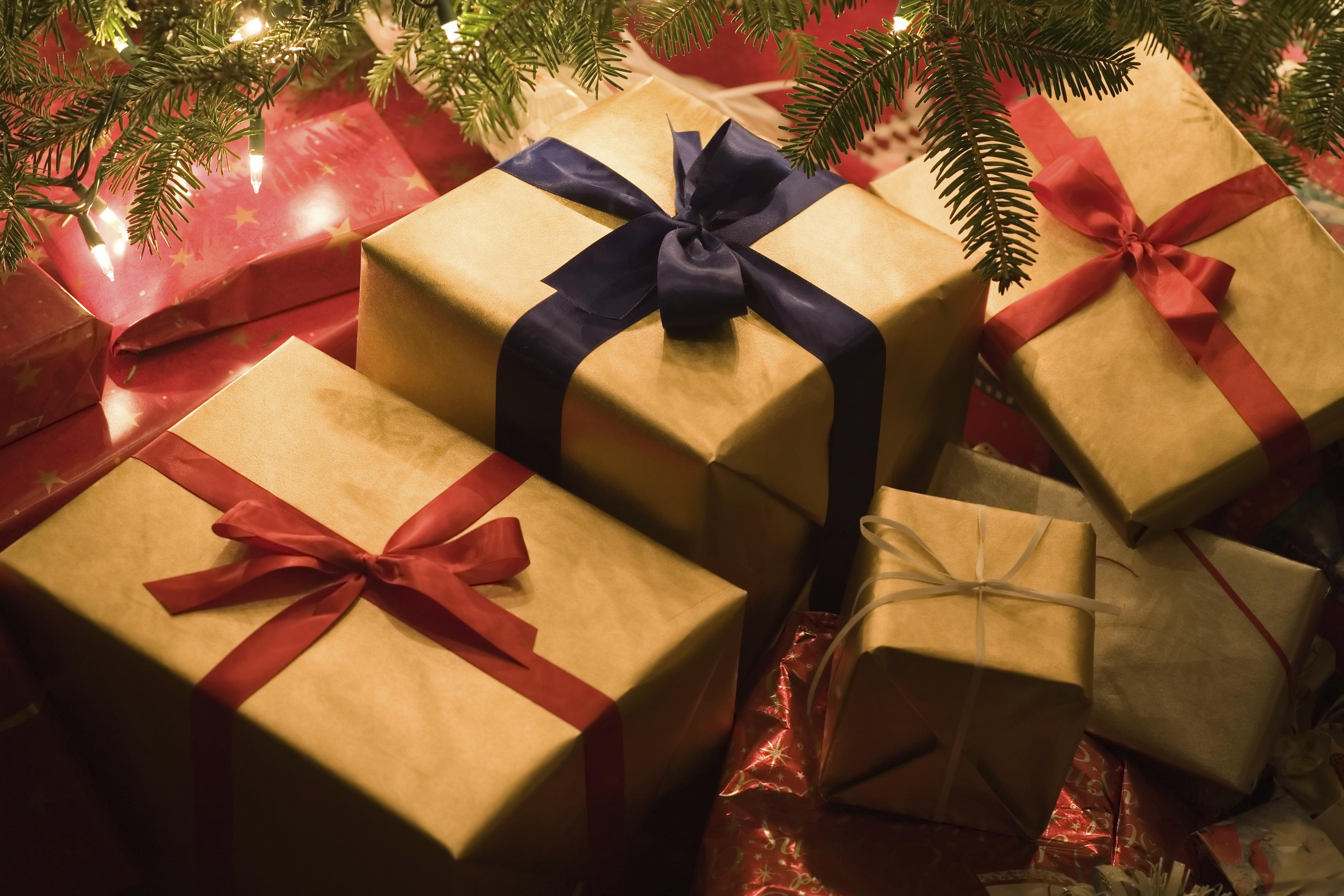 holiday gift guide for tour operators